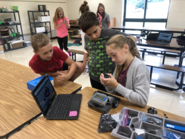 6th Grade TAG Students Explore Robotics